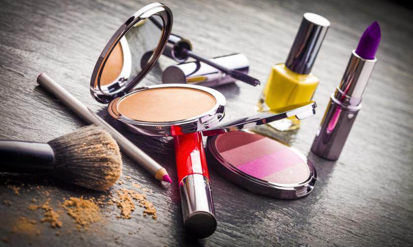 Aumente os seus lucros com um dos segmentos que mais cresce em todo o  mundo. Conheça a indústria de cosméticos! 0e695a1178