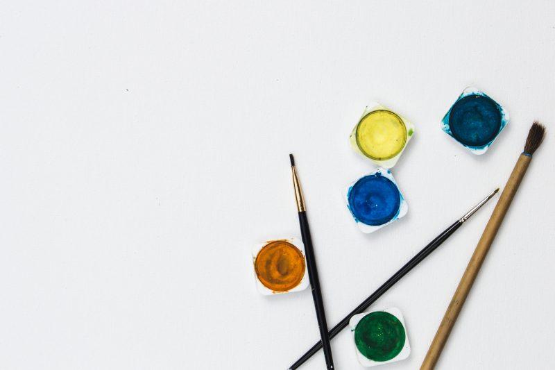 Volta às aulas 2019: tintas e pincéis