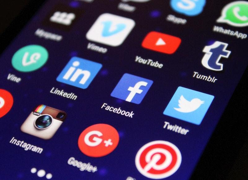 A mercearia moderna está presente nas redes sociais