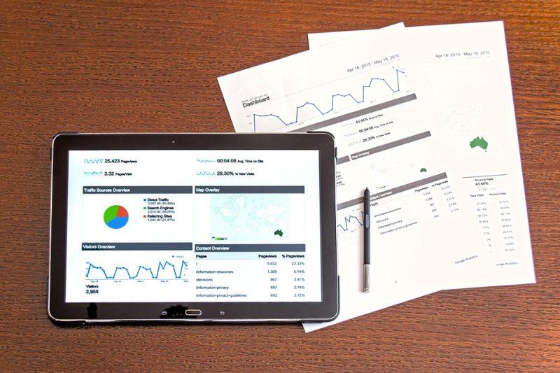 vender mais no início do ano: dados no ipad e documentado