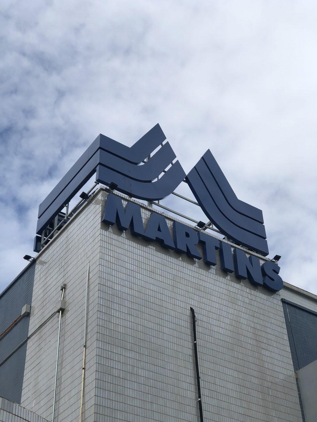 Torre da fachada do Martins Atacadista