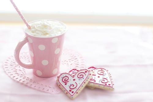 Café da tarde romântico para Dia dos Namorados.