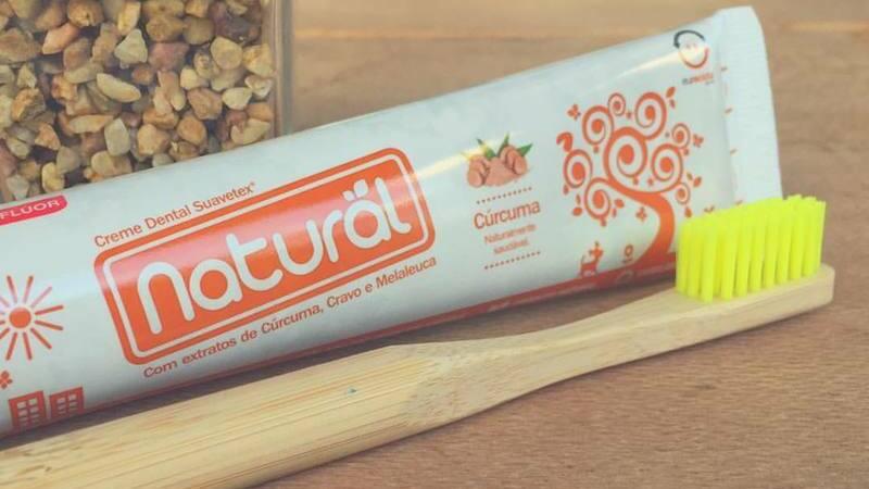 Gel dental e escova de bambu da linha Orgânico Natural da Suavetex.