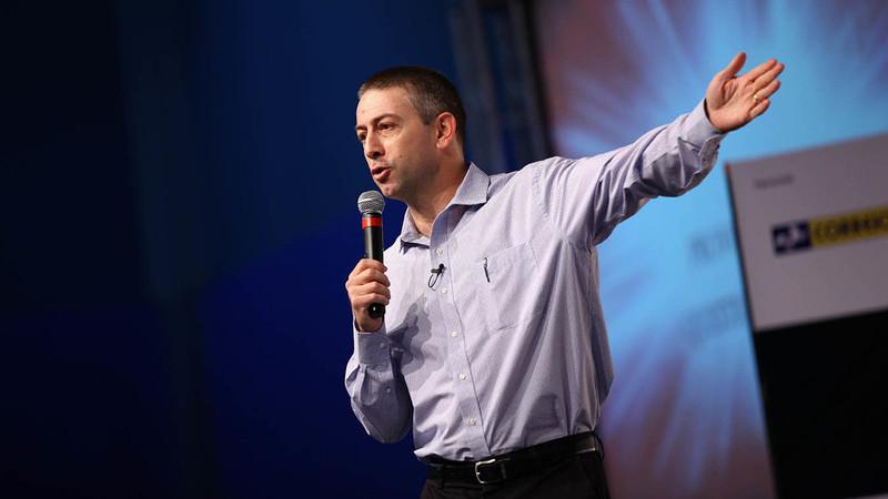 Raul Candeloro em palestra de vendas