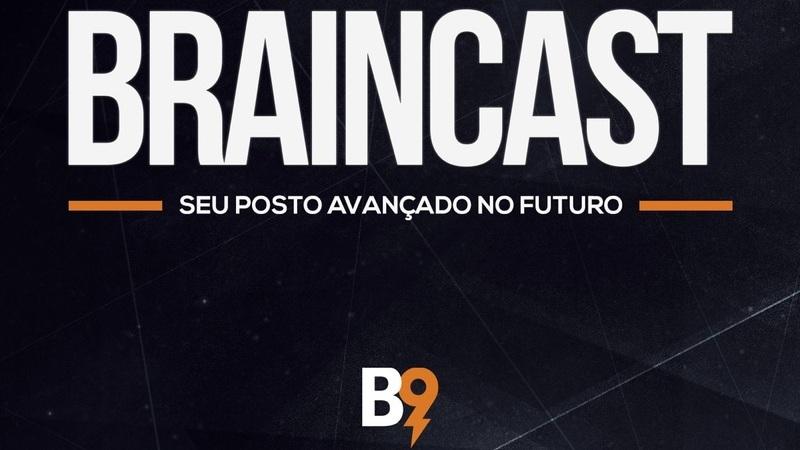 Logomarca da Braincast em cor branca com detalhes em laranja sobre fundo preto