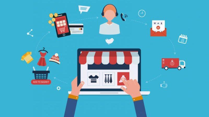 ilustração de pessoa fazendo compra no marketplace com ícones que representam o segmento