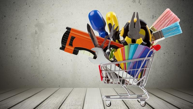 carrinho de compras com produtos de materiais de construção