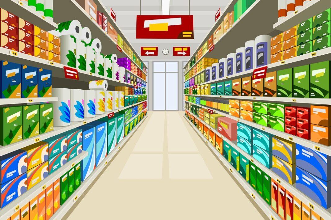 placas indicando seções e produtos no supermercado